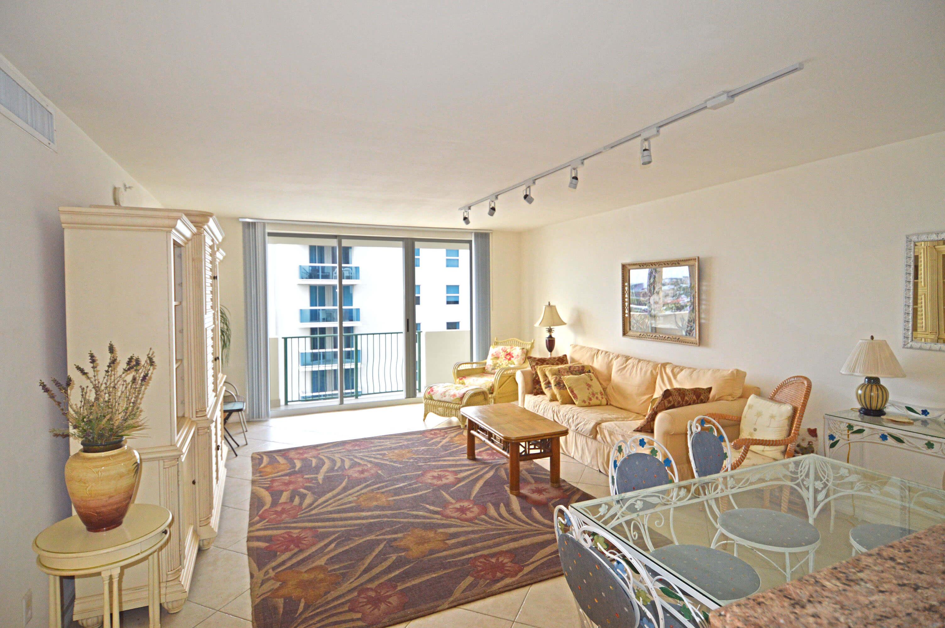 9195 Collins Avenue, Unit 1013 Surfside FL 33154 - Living Room