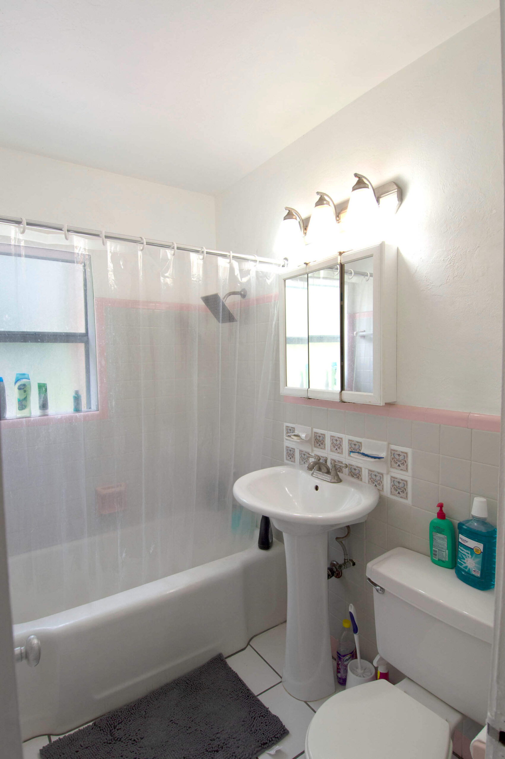 Bathroom for 1211-1215 NE 15th Avenue, Fort Lauderdale FL 33304