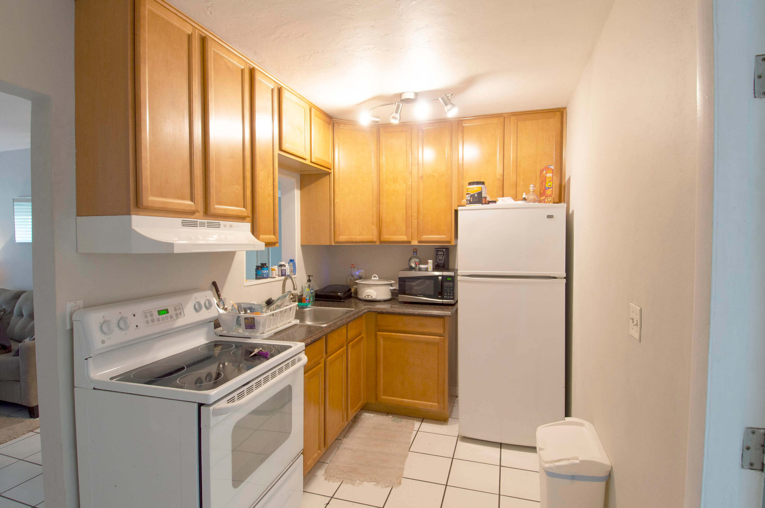 Kitchen for 1211-1215 NE 15th Avenue, Fort Lauderdale FL 33304