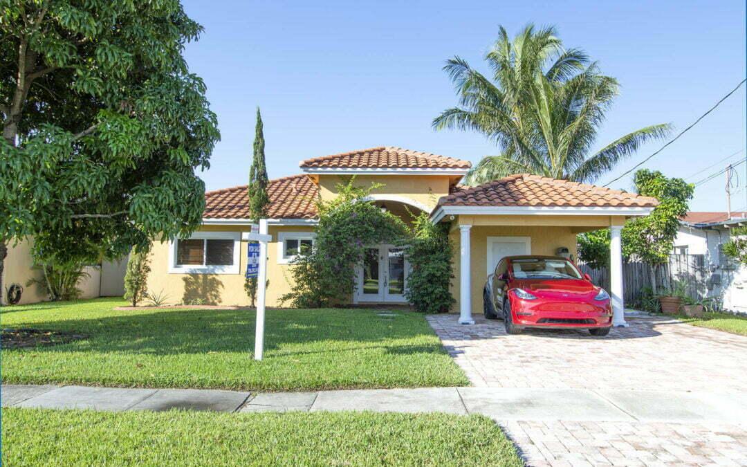 947 Nautilus Isle, Dania Beach, FL 33004 – MLS A10941063