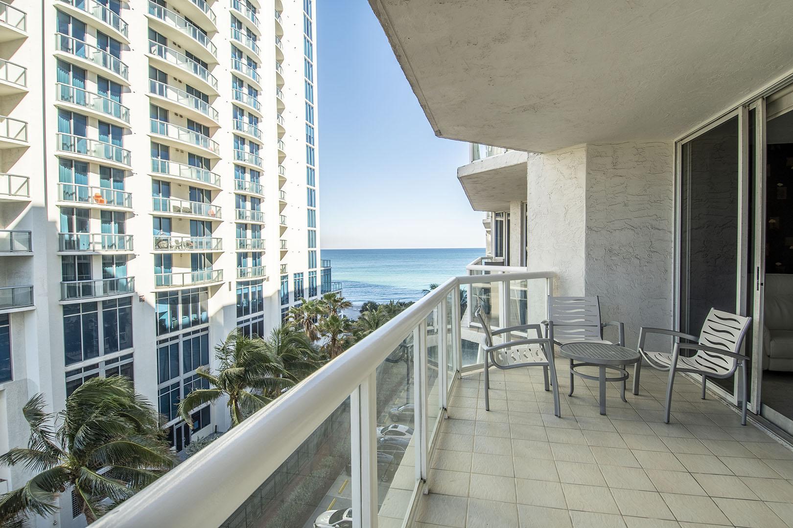 Balcony (Ocean)