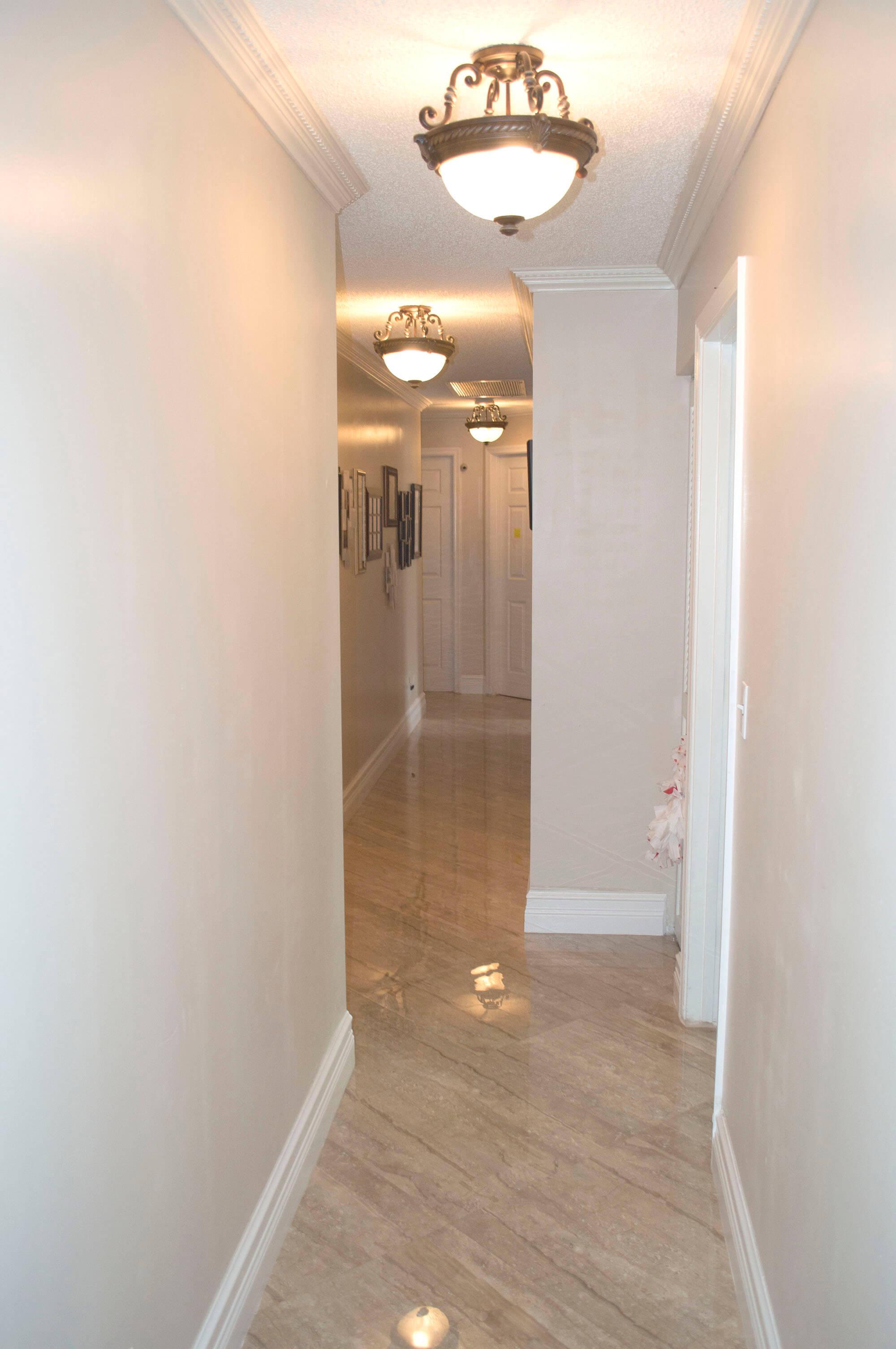 9651-Ridgeside-Ct-Davie-FL-23-Hallway