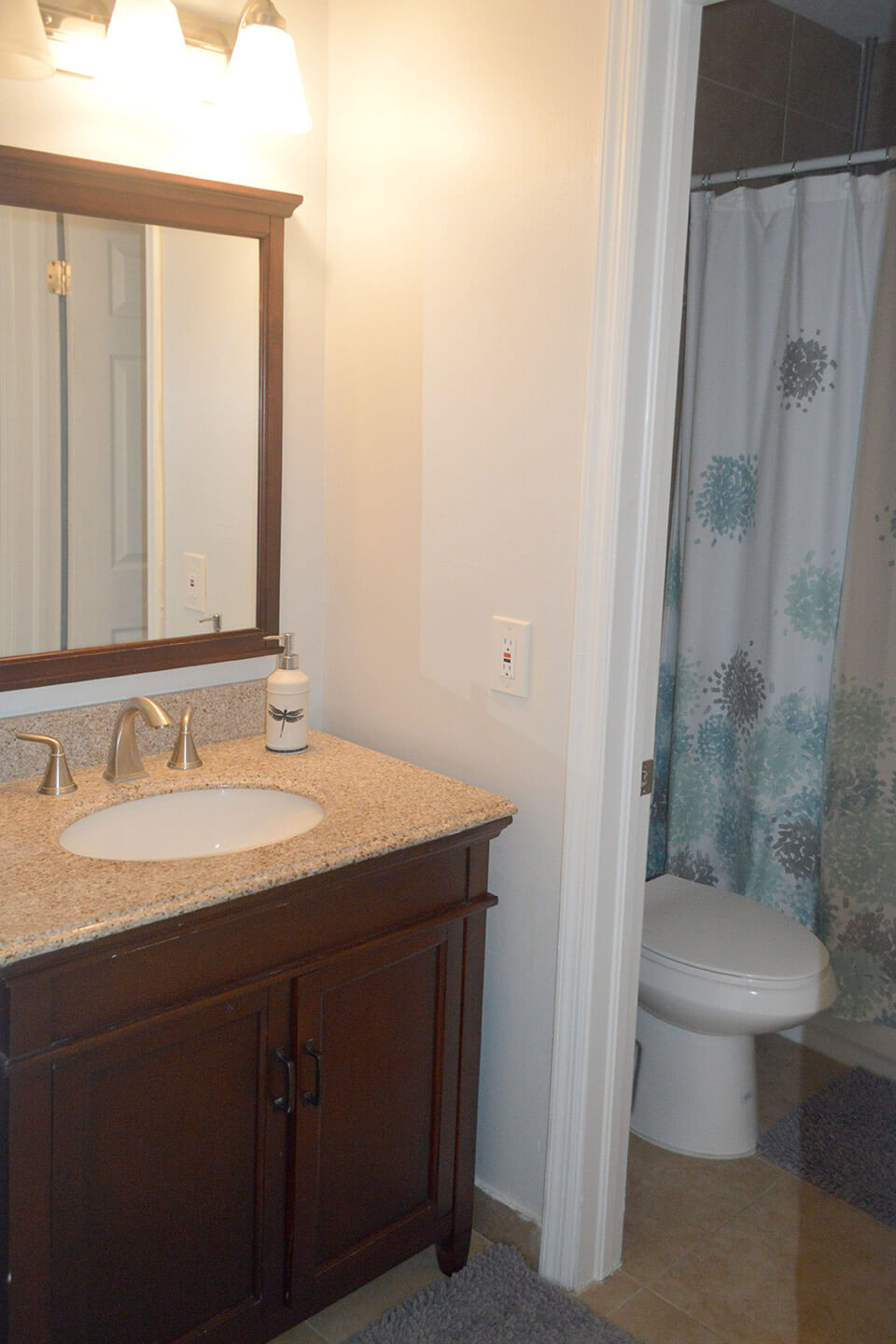 10171-SW-154-Circle-Ct-Miami-FL-33196-9-2nd-Bathroom.jpg